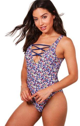 Krásne kvetované jednodielne plavky BOOHOO