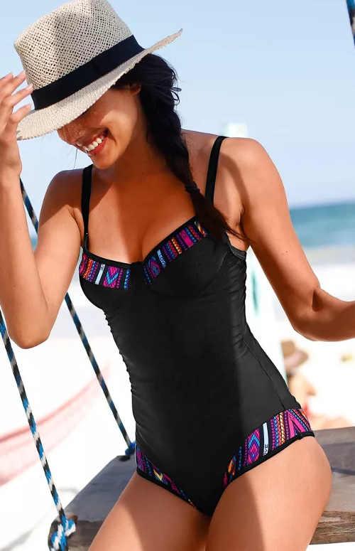 Jednodielne plavky čierne s farebnými detailmi